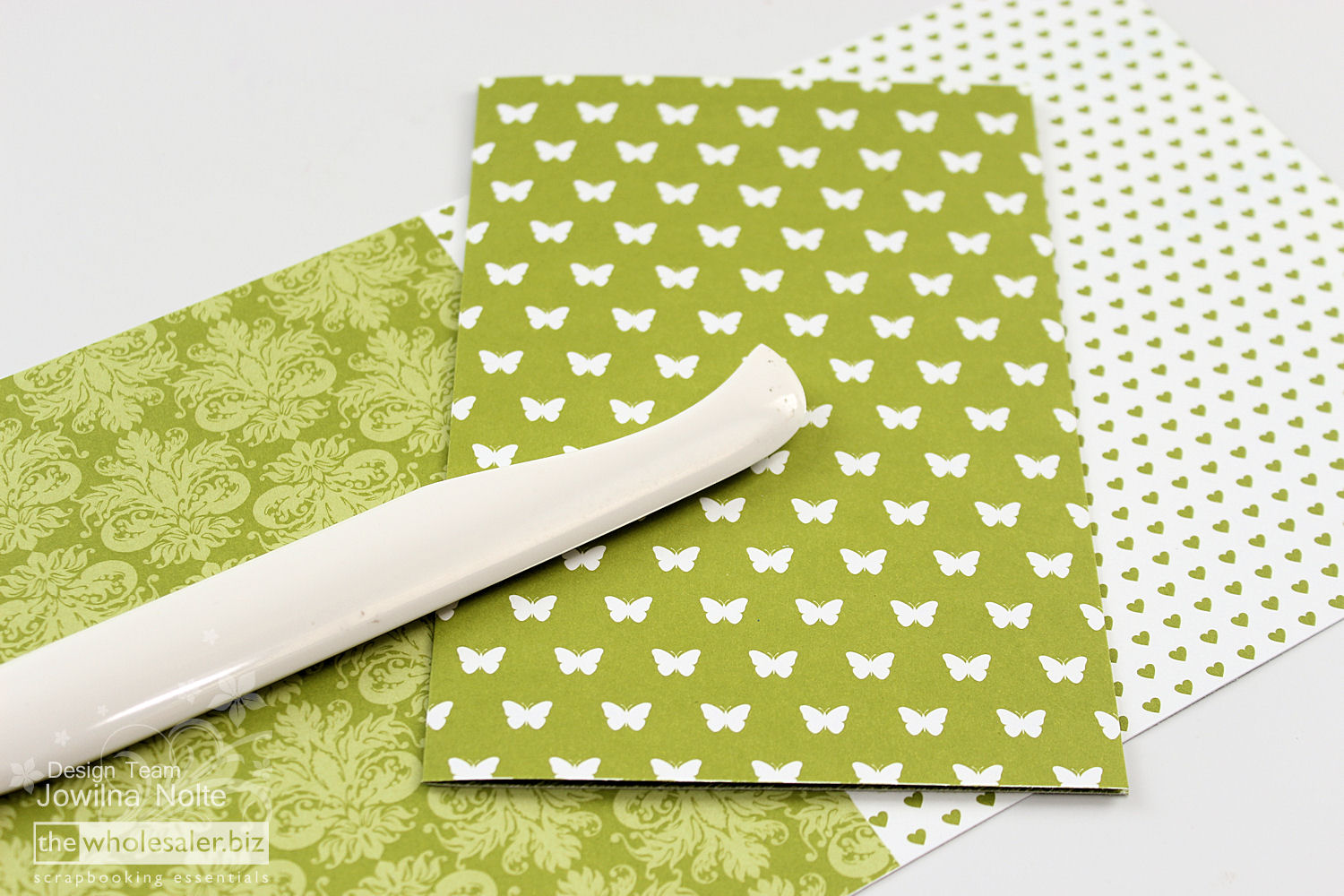 Lady Pattern Paper - hello CARDS in 10 minutes - Step 2