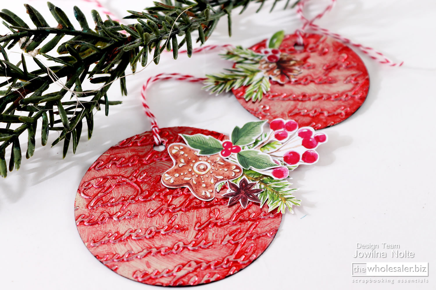 Essential Christmas Decorations.Artistic Christmas Decorations